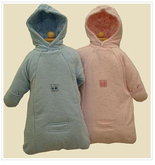 Kupić Śpiworek niemowlęcy WO-1; jest już standardem we współpracujących sklepach od wielu sezonów. Grubość ociepliny dostosowana do wymagań rynków środkowoeuropejskich może ulec zmianie na zamówienie klienta.
