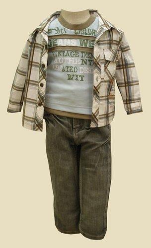 Kupić Trzyczęściowy zestaw niemowlęcy składający się z koszuli, t-shirta oraz modnych , mięciutkich jeansów z regulacją w pasie i stanem odpowiednim dla małego dziecka.Spodnie z modnymi fałdami.