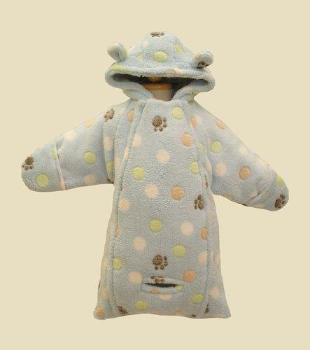 Kupić Śpiworek niemowlęcy WO-44. Grubość ocieplenia 120 gram / m2, dostosowana do wymagań rynków środkowoeuropejskich może ulec zmianie na zamówienie klienta. Rękawy otwarte można odwrócić i uzyskać rękawicę chroniącą przed zimnem.