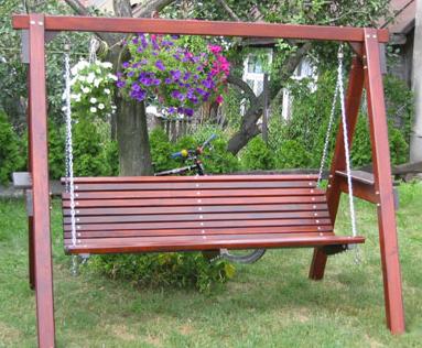 Kupić Huśtawki ogrodowe wykonane w całości z drewna.
