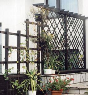 Kupić Pergole ogrodowe. Wykonane z drewna, atrakcyjne wzory.