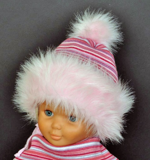 Kupię Czapki dziewczęce- kolekcja zimowa