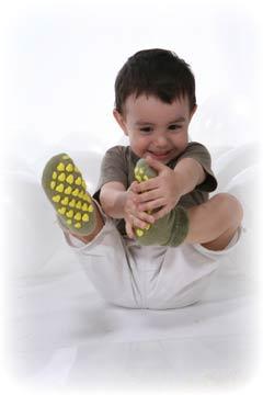 Kupić Skarpetki dziecięce: stopki, podkolanówki, zakolanówki, modne wzornictwo, frotte, gładkie, ażurowe.