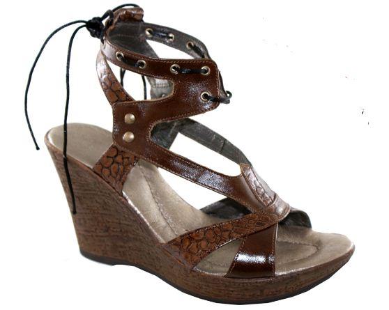 Kupić Sandały damskie na koturnie