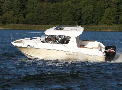 Kupić S700WE, comfortable boat perfect for fishing and recreation.