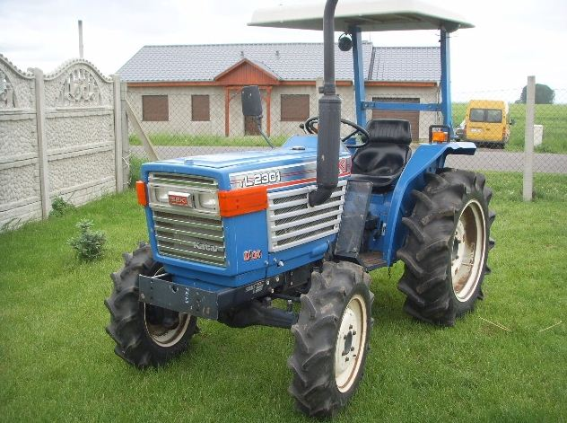 Kupić ISEKI TL2310 23KM, traktor mini z napędem 4x4 i wspomaganiem.
