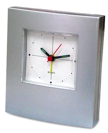 Kupić Zegar z budzikiem srebrny