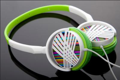 Kupić Stereofoniczne słuchawki nauszne z grawerowanym wzorem
