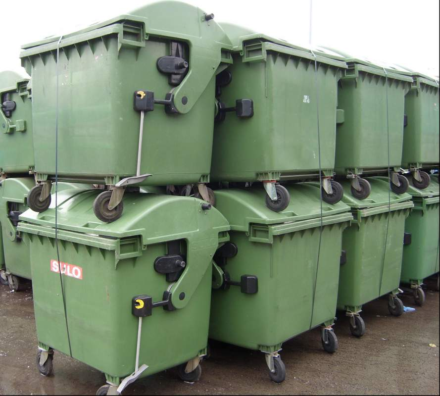 Kupić Pojemniki na odapady używane 1100 l PE