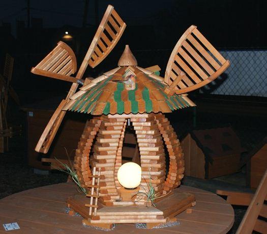 Kupić Lampa ogrodowa w kształcie wiatraka