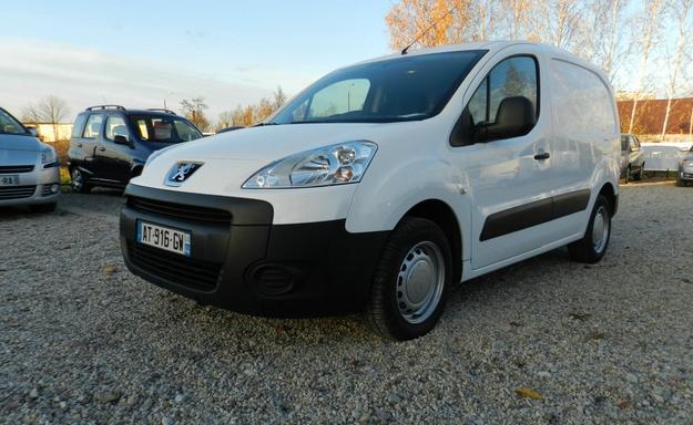 Kupić Peugeot Partner z klimatyzacją i wspomaganiem kierownicy