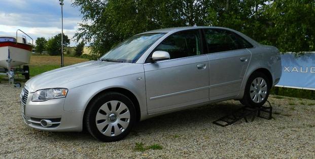 Kupić Audi A4 z poduszkami powietrznymi i autoalarmem ABS