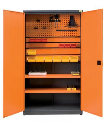Szafy na pojemniki z linii Expert Line do zastosowania w warsztatach, punktach serwisowych i innych miejscach, gdzie występuje potrzeba przechowywania narzędzi.