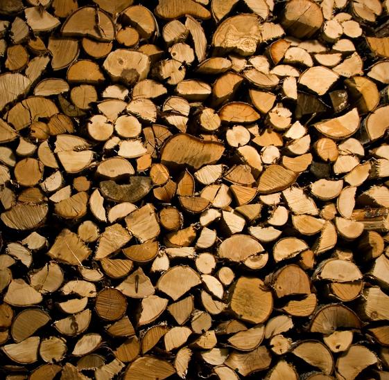 Kupić Drewno opałowe luzem i pakowane w worki