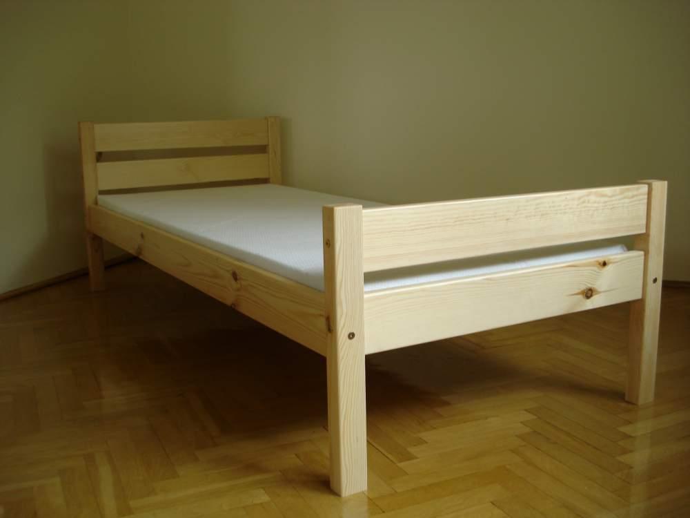 Kupić Łóżka starannie wykonane z drewna pokryte bezbarwnym lakierem