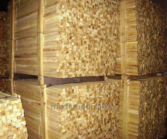 Elementy konstrukcyjne cięte na traku taśmowym: kantówka budowlana, więźba dachowa, stemple budowlane, półwałki(rygle), i deska ryflowana.