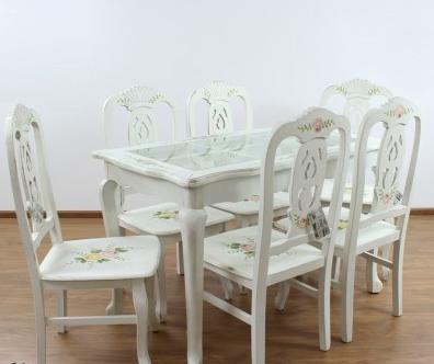 Kupić Zestaw białych mebli kwiatowych, jadalniany stół z krzesłami