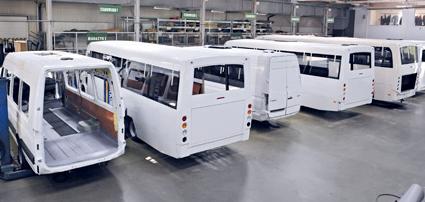 Kupić Zabudowa pojazdów według indywidualnych zamówień klienta na podwoziach samochodów dostawczych oraz ram samochodów ciężarowych.