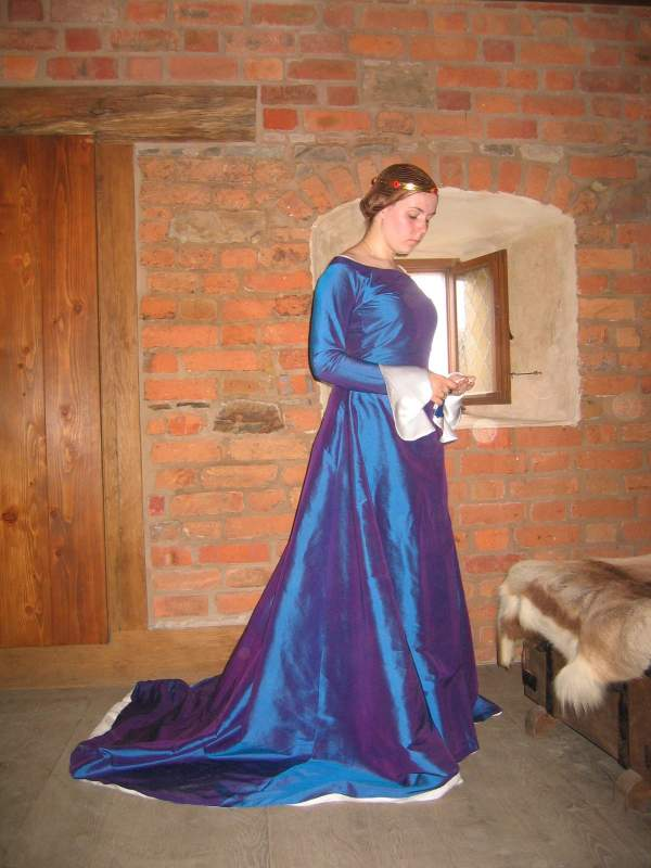 Kupić Suknia damska