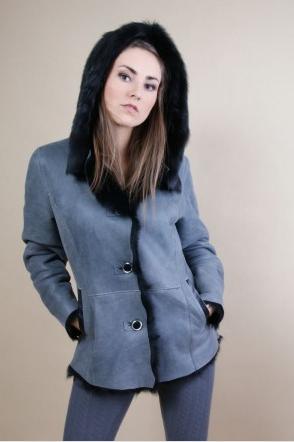 Kupić Krótki kożuszek damski lekko taliowany z kapturem wykonany z włoskich lub hiszpańskich skór toskana w różnych kolorach