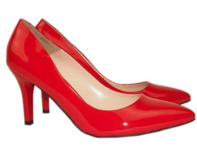Kupić Szpilki w modnym czerwonym kolorze, lakierowane.
