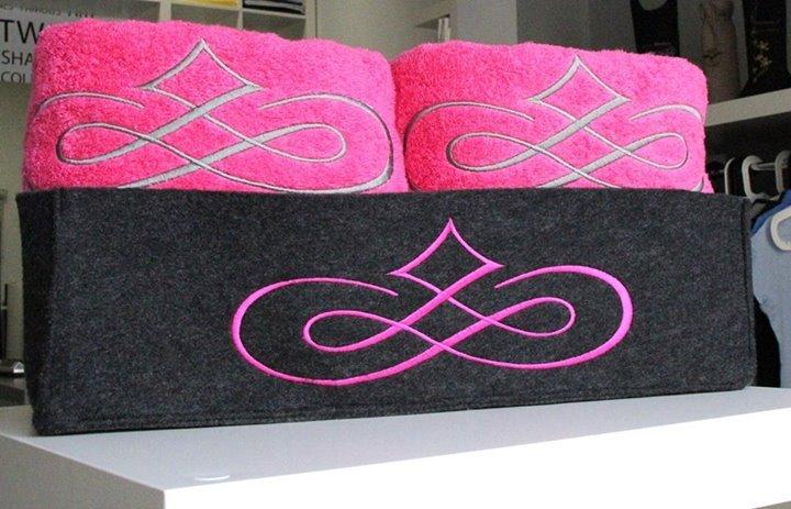 Kupić Ręcznik frotte haftowany