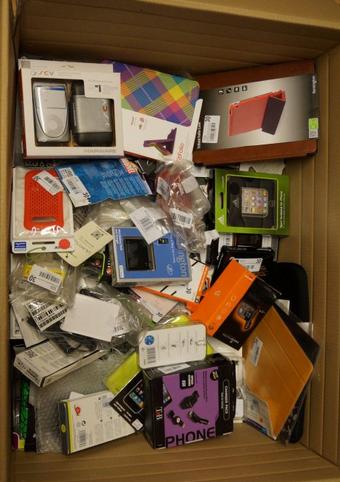 Kupić Akcesoria do telefonów i tabletów - pokrowce, stacje dokujące itp. - SUPER CENY!