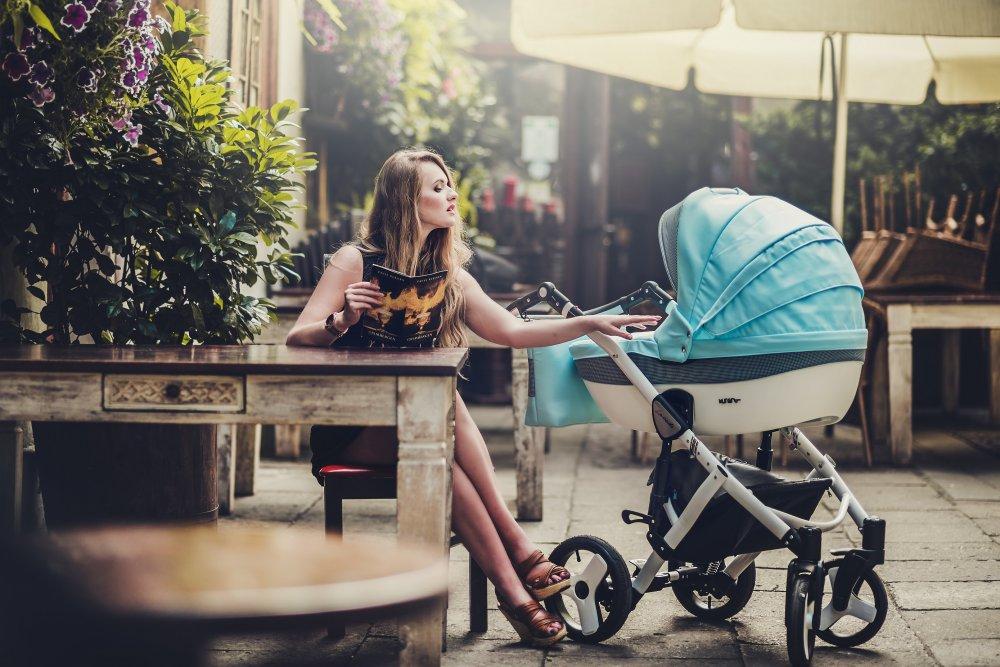 Kupić Wózek wielofunkcyjny Lavado z duża gondolka spacerówką oraz fotelikiem samochodowym