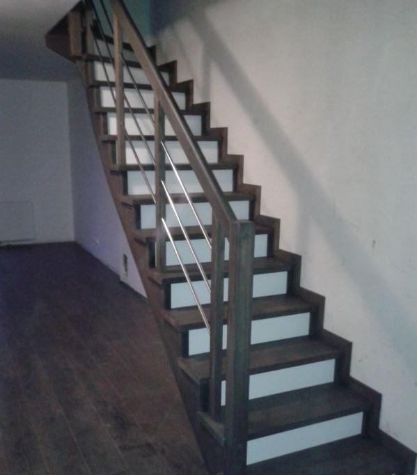 Kupić Produkcja schodów drewnianych