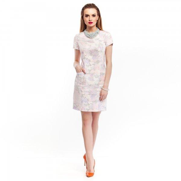 Kupić Kobieca bawełniana sukienka z kieszeniami w pastelowe kwiaty- pudrowy róż