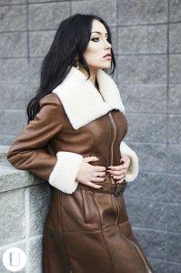 Kupić Zimowe kurtki skórzane damskie