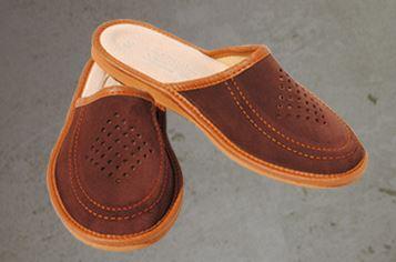 Kupić Pantofle z dwoiny bydlęcej na niskim klinie.