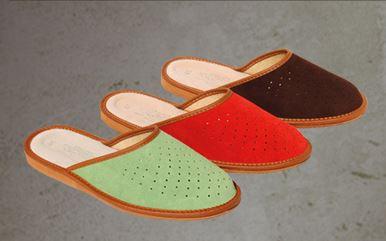 Kupić Pantofle z dwoiny bydlęcej z profilowaną podeszwą, pokryta skórą bydlęcą.