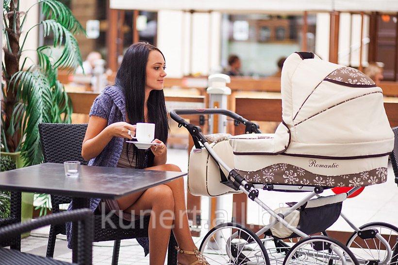 Kupić Wózek Romantic firmy Kunert w wyjątkowy sposób łączący szykowny design z najwyższym komfortem dziecka. Dzięki dużym, szprychowym kołom radzi sobie na każdym podłożu.