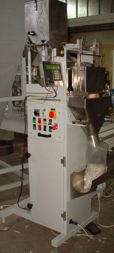 Kupić Półautomat NW-2000 do wagowego porcjowania produktów sypkich o strukturze granulatu.