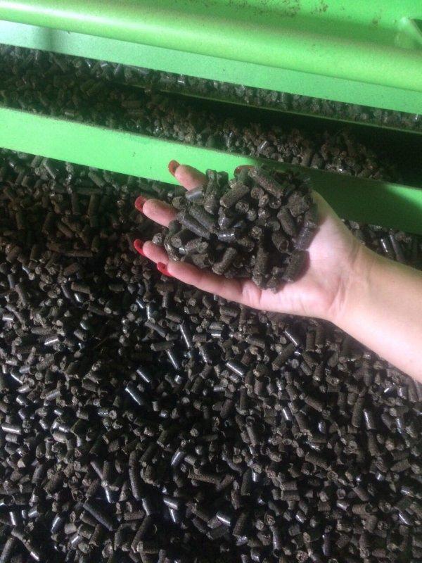 Kupić Opał najlepszej jakości, pellet z łuski słonecznika, biomasa worki 15 kg