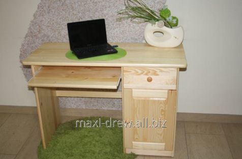 Biurko sosnowe Wena z szafką, szuflada i półka na klawiaturę na prowadnicach rolkowych.