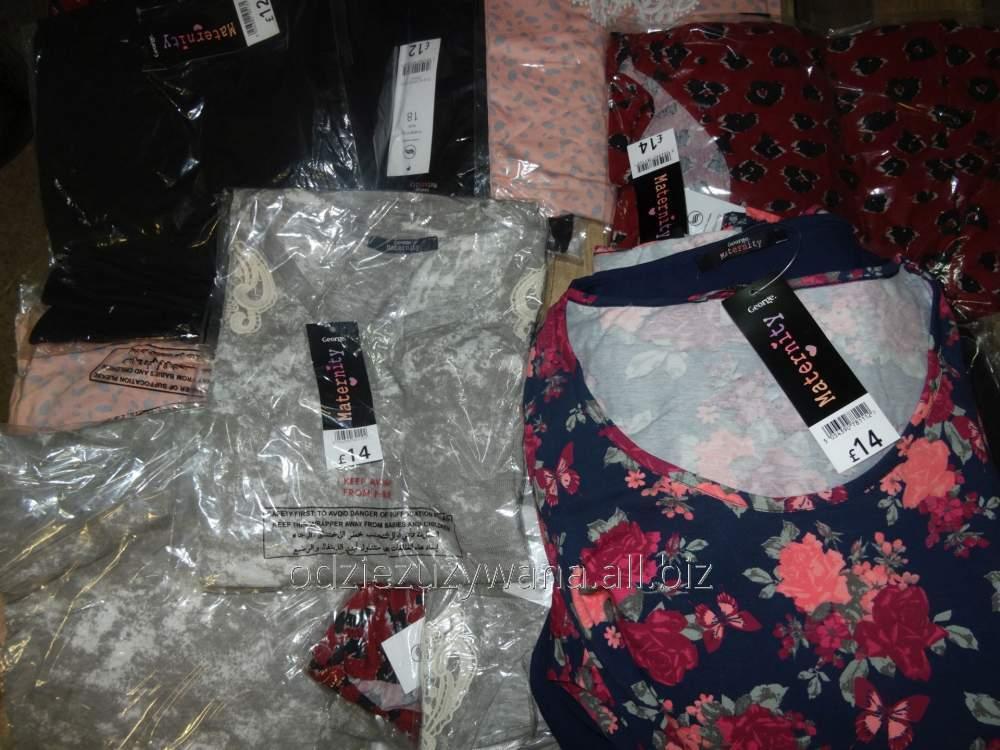 cumpără Îmbrăcăminte de stock