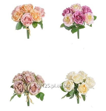 Kupić Kompozycje bukietowe ze sztucznych róż w wielu wariantach kolorystycznych.