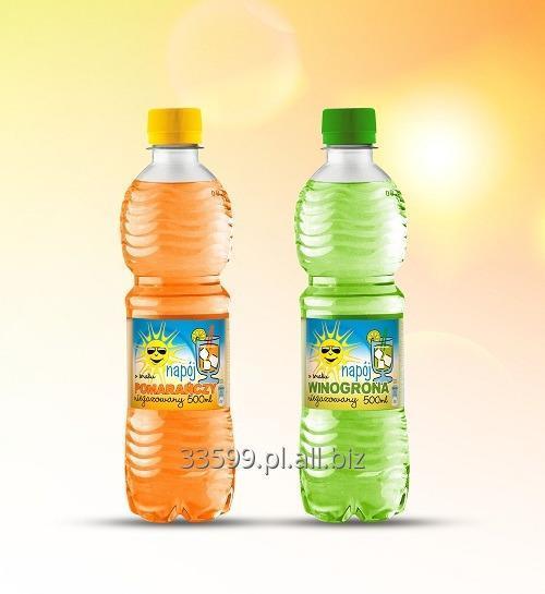 Kupić Napoje niegazowane na bazie wody mineralnej z dodatkiem soku.