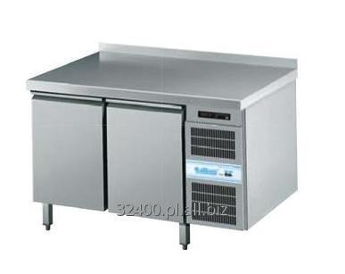 Kupić Stół chłodniczy z blatem firmy Krosno-metal model GN 2/3 z własnym chłodzeniem w zakresie temperatur od +10 do -2 °C i opcją wyposażenia w dodatkowe elementy.