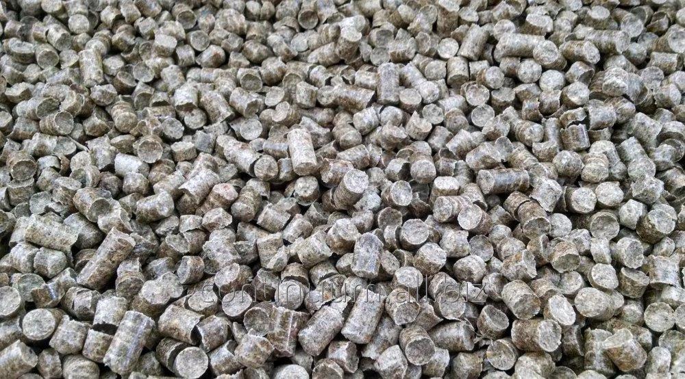 Kupić Pellet drzewny, o wymiarach od 6 mm do 8 mm, produkowany w objętości od 500 ton do 1000 ton miesięcznie.