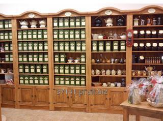 Kupić Regały drewniane sklepowe, wystawowe, do prezentacji towarów.