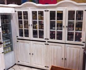 Kupić Regały drewniane w stylu prowansalskim do ekspozycji win, przysmaków, produktów przeszklone lub otwarte.