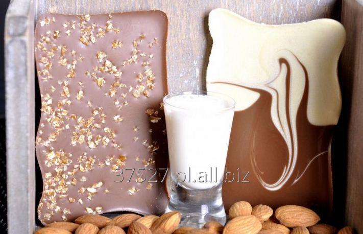 Kupić Wyborna mleczna czekolada z migdałami.