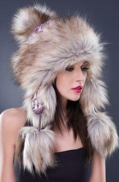 Kupić Efektowna czapka damska, uszanka, pompony, futro