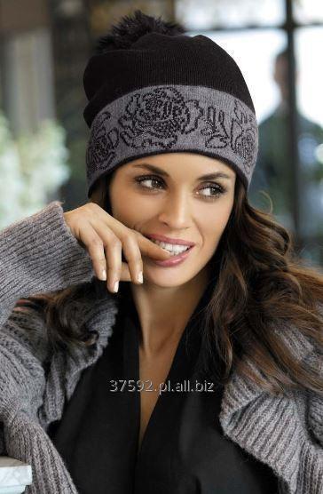 Kupić Czapka model Liliana, pompon