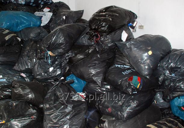 Kupić Odzież używana z Danii. Pakowana w torbach