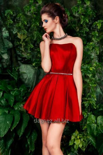 Kupić Twiggi mini rozkloszowana sukienka mini z dopasowaną górą kusząco odsłaniającą ramiona i eksponującą talię.