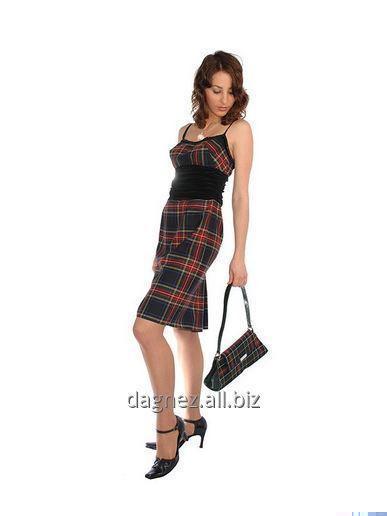 Kupić Viva, prosta, dopasowana sukienka na ramiączkach, nad kolano. Ponadczasowa szkocka krata